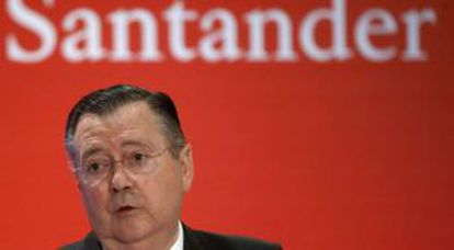 An aide to former Santander CEO Alfredo Sáenz (above) has been charged with crimes in the US.