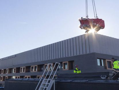 Construction underway on the new CUN proton therapy center in Madrid.