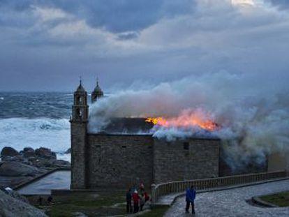 A Virxe da Barca sanctuary in flames.