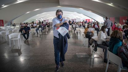 A mass-vaccination site in Valencia on Monday.