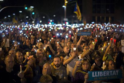 People in Barcelona protesting the decision to imprison civil society leaders without bail in a sedition probe.