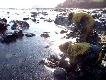 Large sections of Galicia's coast were affected by the slick.