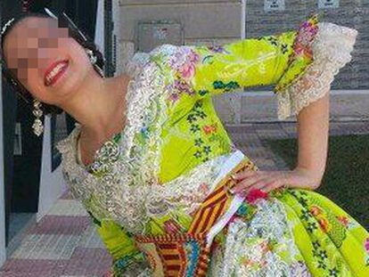 La presunta yihadista detenida en Cullera (Valencia) vestida de fallera en 2014.