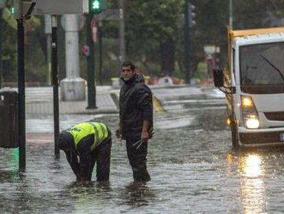 Victims die after being swept away by high water as wild weather continues to take toll in Murcia and Valencia regions