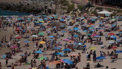 Santa María del Mar beach in Cádiz on Sunday.