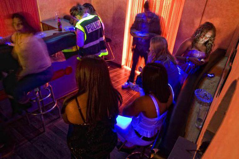 A police raid on a brothel in Mataró.