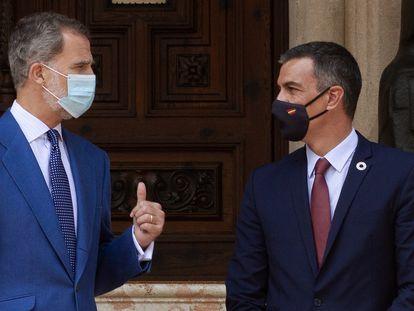 King Felipe VI and Spanish Prime Minister Pedro Sánchez on Wednesday.