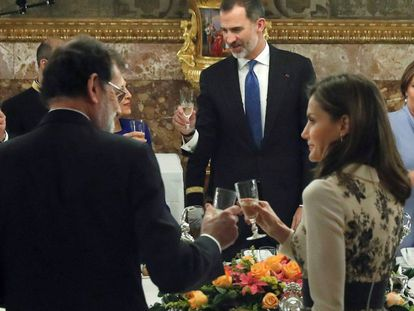 King Felipe VI of Spain with Queen Letizia and Prime Minister Mariano Rajoy in the foreground.
