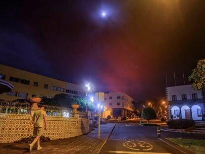 Residents of Tazacorte, on the Spanish island of La Palma, where a new lava stream could soon reach the sea.