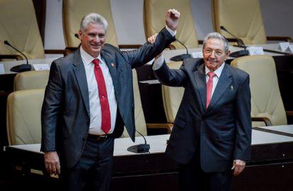 Cuban President Miguel Diaz-Canel with Raúl Castro in 2018.