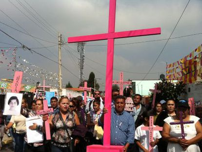 People protesting the killing of women in Chalco, in the state of Mexico.