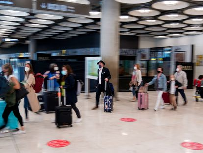 Passengers earlier this month at Madrid's Barajas Airport.