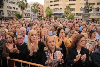 A crowd gathers in Algeciras to demand more commitment to the fight against drug trafficking in Campo de Gibraltar.