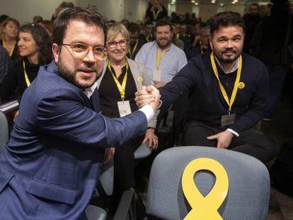 ERC politicians Pere Aragonès (l) and Gabriel Rufián.