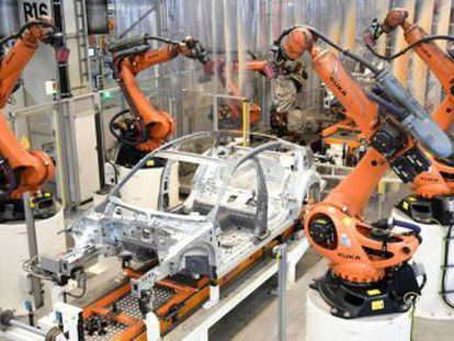 The inauguration of the first robot factory in Europe reignites the debate over the loss of jobs and the fascinating question of whether machines should have to pay taxes