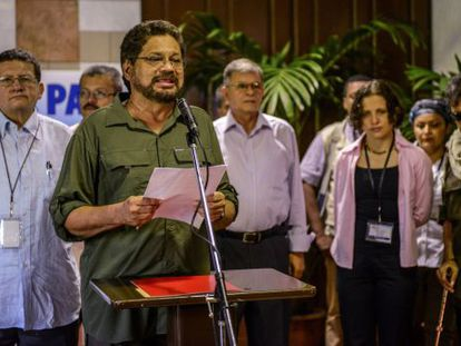 Colombian FARC-EP Commander Iván Márquez reads a statement, on June 11, 2013 at Convention Palace in Havana.