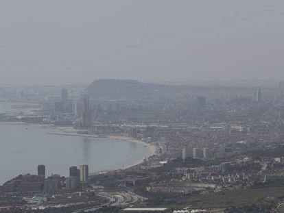 Pollution hanging over Barcelona and Badalona last week.