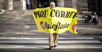 """Even senior citizens began their own protest movement known as """"Yayoflautas."""""""
