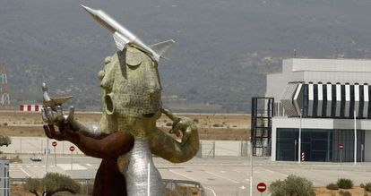 The sculpture outside one of the entrance points at Castellón Airport.