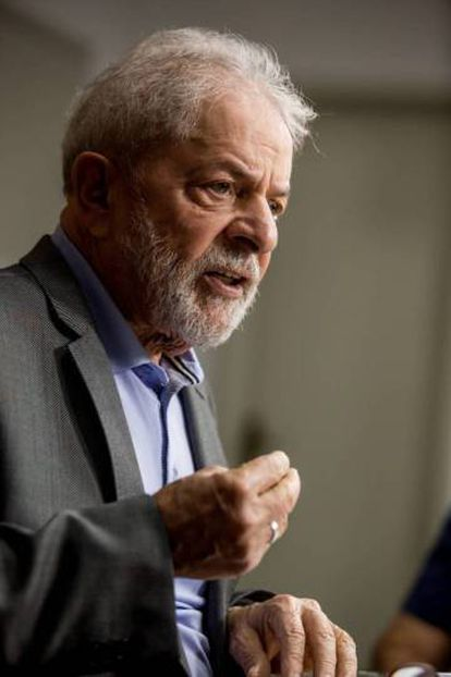 Lula da Silva during the interview.