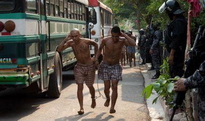 Gang members are captured in El Salvador.