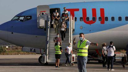 A TUI Airways flight arriving in Kos (Greece) in June.