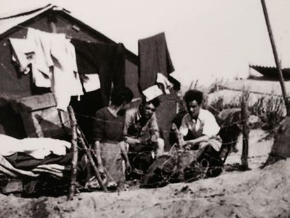 Unidentified Spanish refugees at the Argelés-sur-Mer camp.