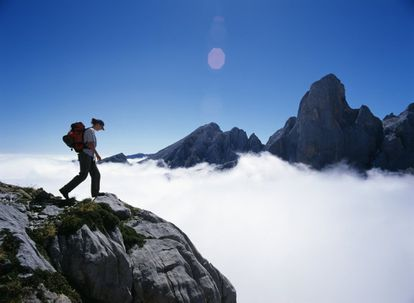 The peak of the mountain Urrielu, or Naranjo de Bulnes, is more than 2,500 meters above sea level. Although it's not the tallest mountain in the Picos de Europa range to which it belongs, its vertical walls make it perfect for climbers.