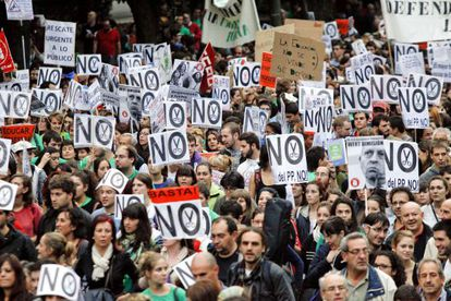 Thousands of people marched through downtown Madrid last Thursday in protest at the cutbacks and educational reform.