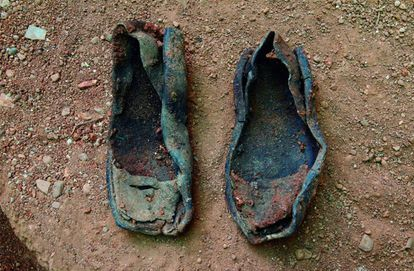 Footwear found during the exhumation of a mass grave in Fontanosas, Ciudad Real, in 2006.
