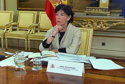 Education Minister Isabel Celaá during the meeting with regional education chiefs.