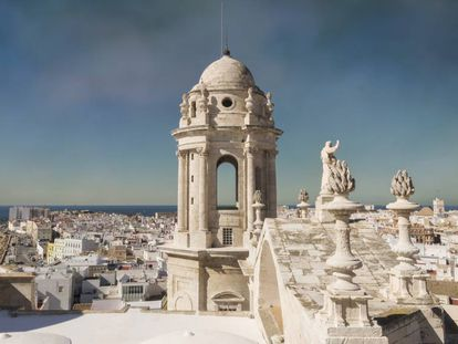 The view from one of the cathedral towers in Cádiz.