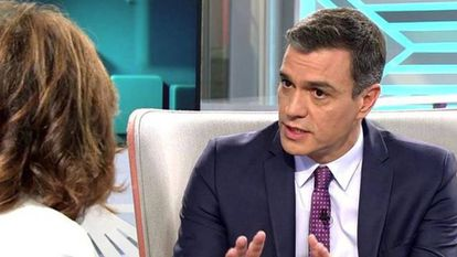 Caretaker PM Pedro Sánchez during an interview on the 'Ana Rosa Program.'