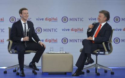 Zuckerberg and Juan Manuel Santos in Bogotá on Wednesday.