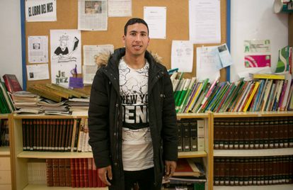 Moroccan Hicham Aidami poses in the school in Jerez where he is currently studying. He plays with Alma de África, on the right wing.