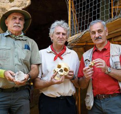 The three co-directors of the excavations.