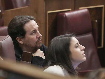 Podemos deputies Pablo Iglesias and Irene Montero in Congress.
