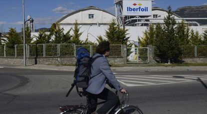 Foil manufacturer Iberfoil complains that it can't get the staff.