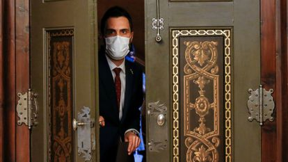 Catalan parliament speaker Roger Torrent moments before making a statement about the cellphone spying allegations.