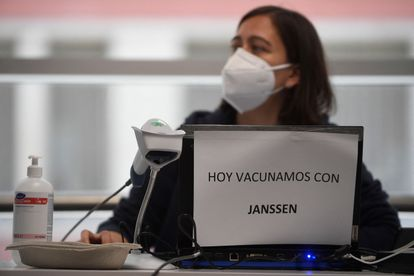Vaccination in Madrid's Wizink Center arena on May 21.