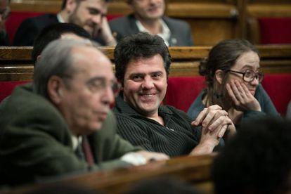 Julià de Jòdar along with Josep Manel Busqueta in the Catalan parlament.