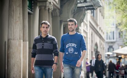 Xavi Mora and Jordi Bañeres, pictured on the streets of Barcelona.