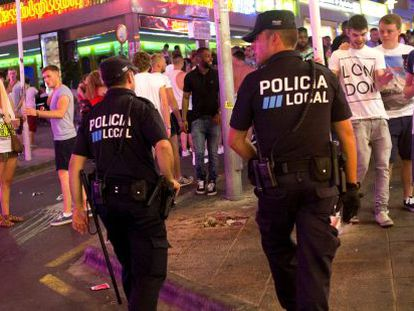 Municipal police on patrol in Magaluf.