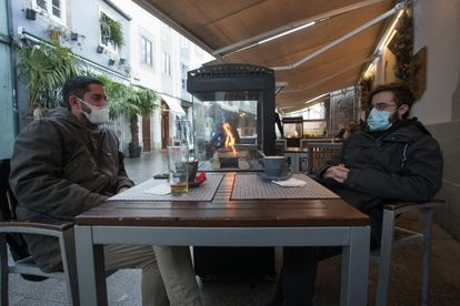A sidewalk café in Lugo on December 30.