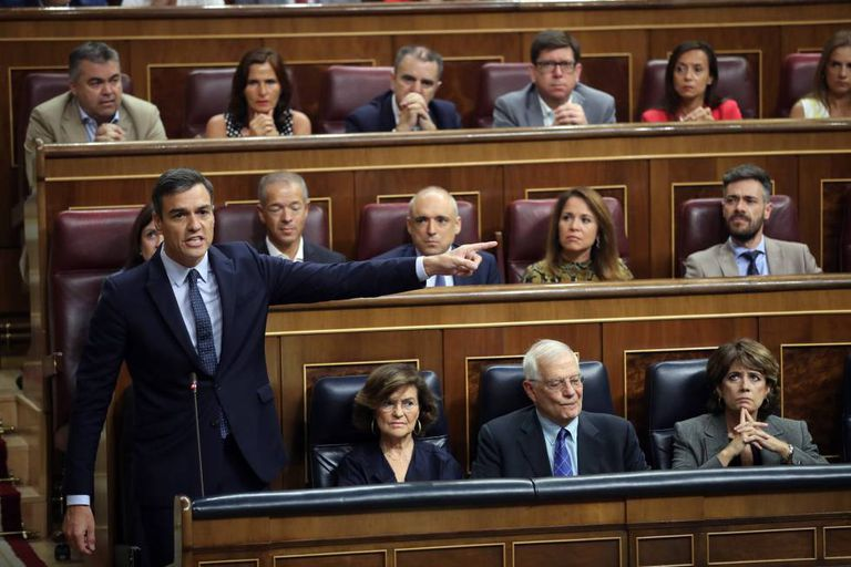 Acting PM Pedro Sánchez in Congress.