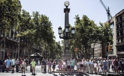 La Rambla as seen from the Plaza de Cataluña.