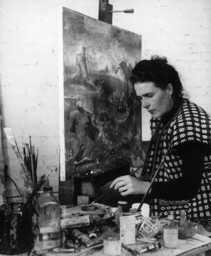 Leonora Carrington painting 'Unscape at Manzanillo', in 1956.