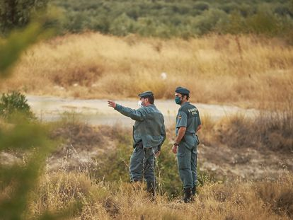 Spanish Civil Guard officers searching for a black panther in Ventas de Huelma (Granada).