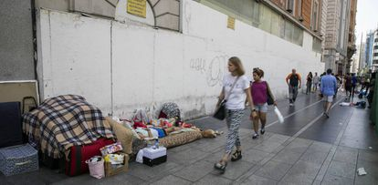 Homeless people during the heat wave in Madrid.
