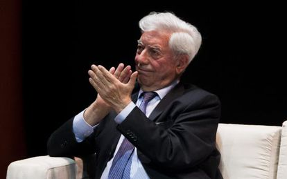 Vargas Llosa during the conference on freedom and democracy in Venezuela.